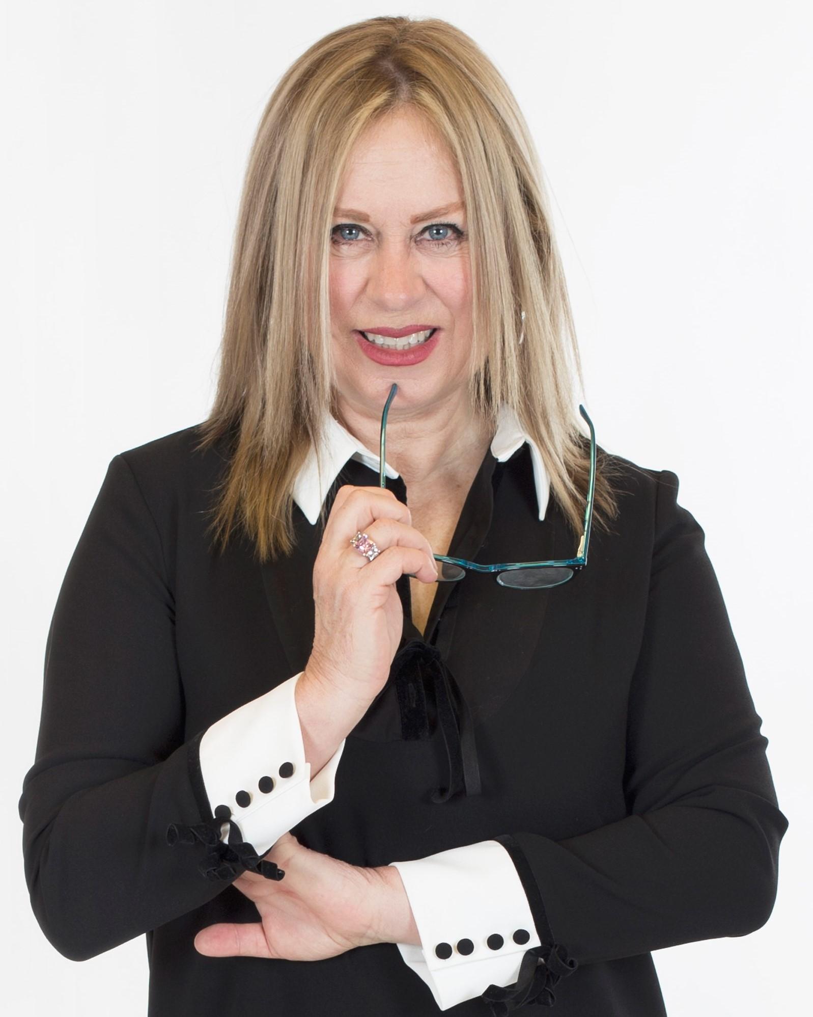 Esmeralda Díaz Aroca, especialista en Social Selling, LinkedIn y Marca Personal